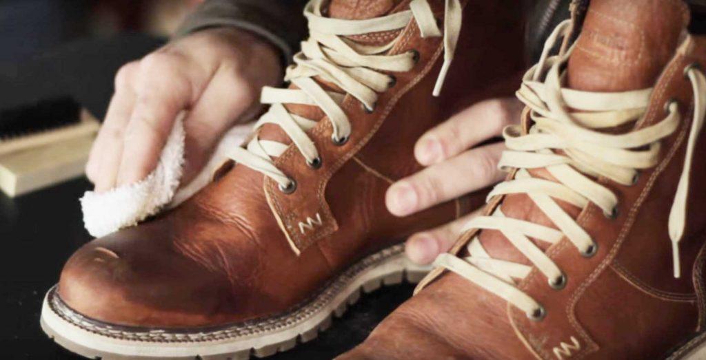 چگونه باید از کفشهای ایمنی مراقبت کرد؟